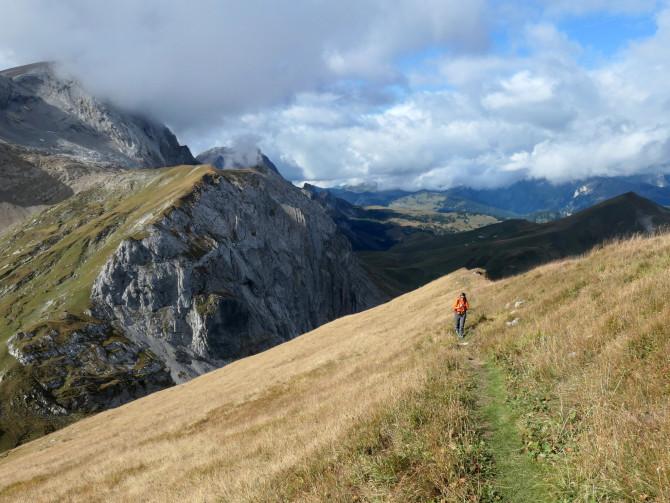 High above Lenk: long weekend of autumn hiking